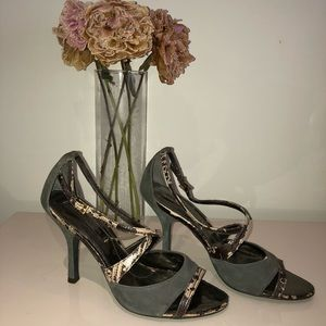 Suede and snake print leather bcbg heels in size 8